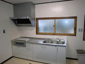 広々とし使いやすいキッチンになり満足です。また何かあればお願いします。