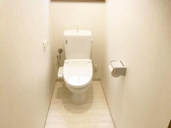 トイレ丸ごとリフォームでイメージ刷新!清潔感あふれる空間に生まれ変わりました!